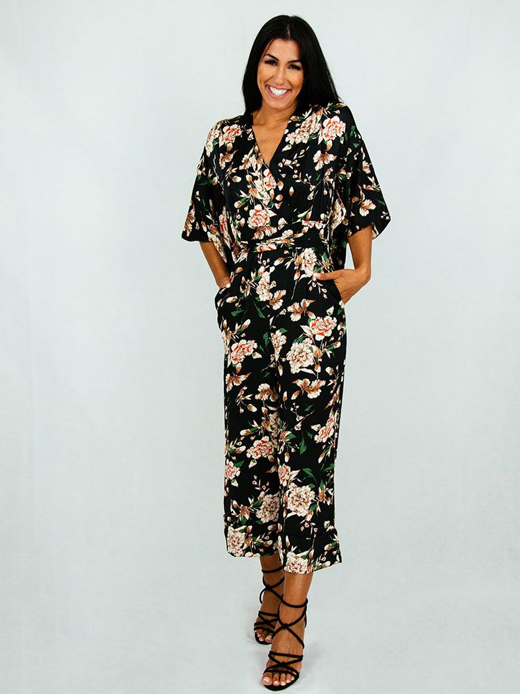 Ολόσωμη φόρμα με λουλούδια και ζώνη Ολόσωμες φόρμες 1 180